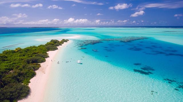 tropické Maledivy