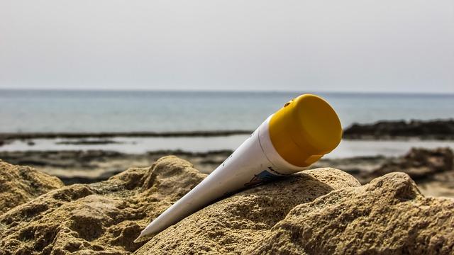 opalovací krém v písku