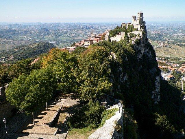 hrad v san marinu