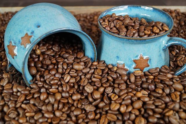 hrnky a káva.jpg