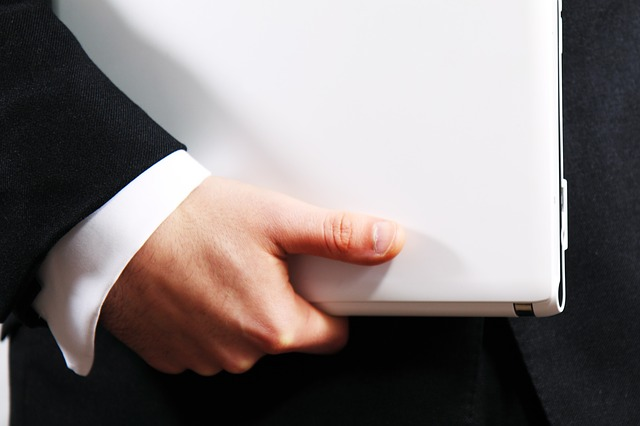ruka businessmana.jpg