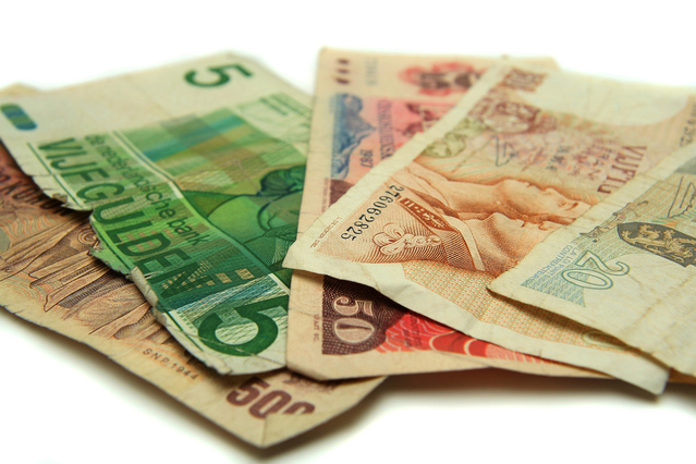 barevné bankovky zblízka, 5,50,500,20